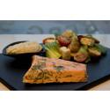 Korshags recepttips: Inkokt lax & ljummen potatissallad med pak choi, tomat & fetaost