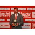 Dr. Kolja Rebstock (Geschäftsführer von Mitsubishi Motors in Deutschland) bei der Preisverleihung AUTOTEST Sieger Preis/Leistung Kleinstwagen