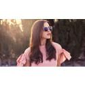 Specsavers presenterar säsongens snyggaste solglasögon tillsammans med Daisy Grace