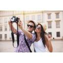 Nesten halvparten av oss oppdaterer sosiale medier på utenlandsreisen