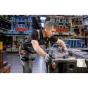 På Audi fabrikker skånes ryggen med exoskelet