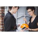 DIY trenden rammer Danmark: 10-årig solgte hjemmelavede armbånd og tjente over 1.500 kr. på 10 dage.