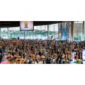 1600 yogis firade Internationella Yogadagen i Stockholm och Göteborg