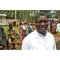 Denis Mukwege till Sverige för filmpremiär
