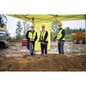 Första spadtaget taget för Kalmars nya återvinningscentral