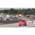 Svenskar bränner däck på Autobahn