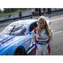 Från karting till racing – Jessica Bäckman testade V8 Thunder Cars