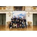 Föreställningen Den E Vi ett samarbete mellan Teater Fryshuset och Dramaten