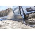 VTT:n tutkimus: Nastarenkailla ajavilla vähemmän onnettomuuksia kuin kitkarenkaiden käyttäjillä