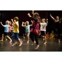 Dansen tar tillvara barns och ungas genuina behov av lek och rörelse