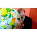"""""""Moder jord – för god att kolsyra"""" -En ståuppföreläsning om klimat och konsumtion"""