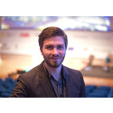 Simon Ignat studerar till civilingenjör i elektroteknik vid KTH. Han är en av skaparna bakom Tracy.