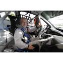 Sex år efter olyckan – nu tävlar Peter Larsson i Clio Cup