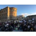 Manifestationer för rättighetslagen LSS och personlig assistans i hela Sverige på söndag
