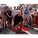 Jörgen Elofsson inviger sin sten i Ängelholms Walk of Fame