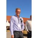Projektledare Klas Brandt i solskenet på Food Courten.