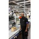 Samhall-anställd på Ingram Micros lager
