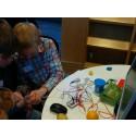 """Robot-opfinder donerer pris til børn og unge, der """"går til robot"""""""