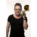 Tjuvtitt i Benny Anderssons studio med trumpetaren Jonas Lindeborg