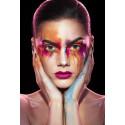 Glossybox The Pink Planet – designbox med inkluderande tema frontas av makeup-artisten Linda Hallberg