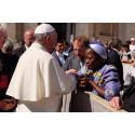 UNHCR Nansen Refugee Laureate Sister Angélique meets Pope Francis