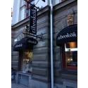 Butiken på Sturegatan, Stockholm, har fått ny fasad.