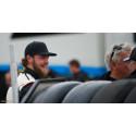 Freddie Magnusson leder jakten på tättrion i V8 Thunder Cars