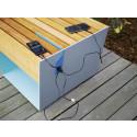 BLOCQ pall lackerad i två kulörer, itegrerad belysning och USB-port för att ladda mobilen.