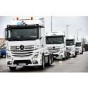 Första Mercedes-lastbilarna i GDLs jätteorder levererade.