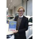 Erik Gustafsson, Skoda Sverige tar emot diplomet för Årets Familjebil 2017