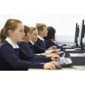 Skolen skal gøre eleverne fortrolige med IT