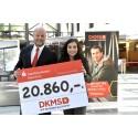 Stadtsparkasse München spendet 20.860 Euro für Suche nach Stammzellenspender für eine lebensbedrohlich erkrankte Mitarbeiterin