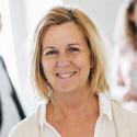 Maria Arnholm (L) i Lund för att diskutera nyanlända akademikers utbildning