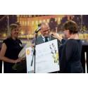 Qualifare Consulting vant Local EAT Award 2016. Her med Torgeir Silseth, adm dir i Nordic Choice Hotels. Bak: Cathrine Dehli, Director of Sustainability i Nordic Choice Hotels. Foto: