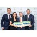 Hand in Hand får 10 miljoner kronor av Svenska Postkodlotteriet