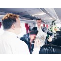 Swebus: Fräscha bussar, humrar och klappjakt i årets julkampanj