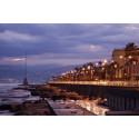 Sommerens reiser går til Beirut og Dubai