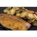 Korshags recepttips: Varmrökt makrill med vinbrässerad färskpotatis & rostad paprikasås