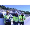 Implenias byggeleder Ingvar Haukelid, Leca-representant i Bergen Sturle Stenhjem samt Per Hovden Lynghaug, leder i Murmesterbedrift Per Hovden Lynghaug, Murmester Entreprenør AS.