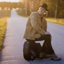Lasse Sigfridsson släpper samlingsalbum och samarbetar med Christina Lindberg