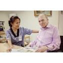 Vården skriker efter arbetskraft - Hermods möter behovet av 120 000 undersköterskor!