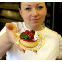 Sockerfri bakning med internationellt tävlande konditorn Lina Olsén