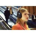 Sonyn neljä uutta Bluetooth®-kuulokemallia soivat kepeän laadukkaasti