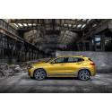 BMW X2, sivusta