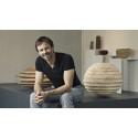 Christoph Finkel och några av hans verk hemma i Bad Hindelang