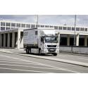 De första eldrivna lastbilarna har levererats