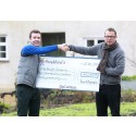 Hugh Fearnley Whittingstall presents cheque for £40,290 raised in 6 days by Peoplefund.it to start-up