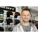 Simon Lassen i butikken