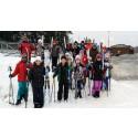 Med Salomonutrustning får skolbarn testa längdskidåkning gratis i Stockholm