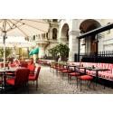 Terrassen på Grand Hôtel välkomnar sommarhalvåret